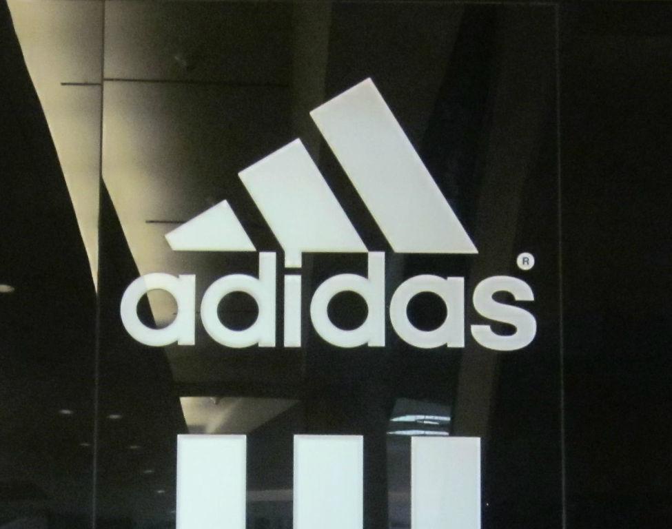 buy popular buy new high quality adidas Outlet Store Viktring - Öffnungszeiten